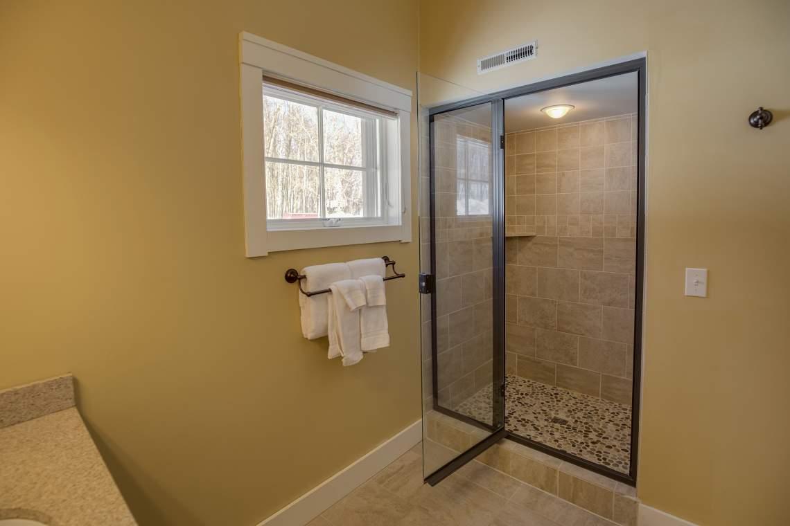17 Bath Mast Shower 5Z9A1365_HDR